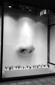 Escaparatismo conceptual Sahling Perfumes