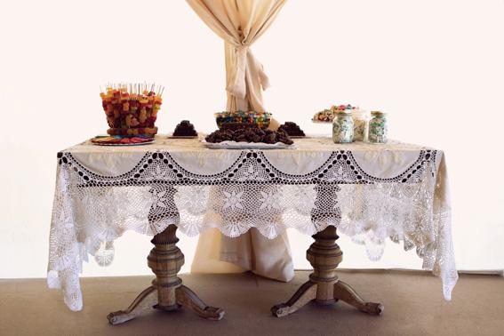 barra de chuches o candy bar para los mas golosos de la boda